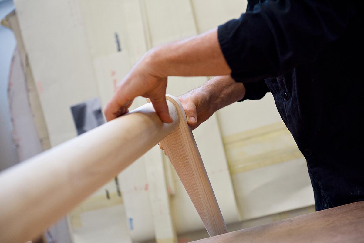 Particolare lavorazione artigianale del legno